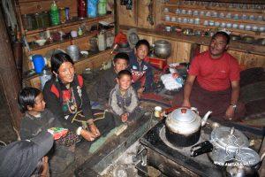 Lama Tangla Tshawang con la famiglia